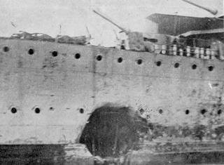 Boquete en el Destructor José Luís Díez en Gibraltar